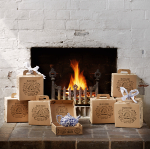 501022 Fireplace Blue Giftbox Lifestyle-830